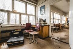 deadinside, urbex, dead inside, natalia sobanska, abandoned poland, Fabryka łączników Radom, radomskie łączniki, Abandoned factory, Metal Connector factory (54 of 77)