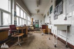 deadinside, urbex, dead inside, natalia sobanska, abandoned poland, Fabryka łączników Radom, radomskie łączniki, Abandoned factory, Metal Connector factory (58 of 77)