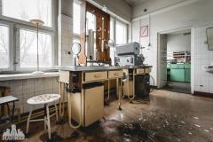 deadinside, urbex, dead inside, natalia sobanska, abandoned poland, Fabryka łączników Radom, radomskie łączniki, Abandoned factory, Metal Connector factory (59 of 77)