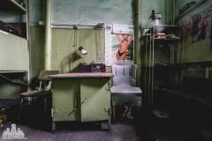 deadinside, urbex, dead inside, natalia sobanska, abandoned poland, Fabryka łączników Radom, radomskie łączniki, Abandoned factory, Metal Connector factory (74 of 77)