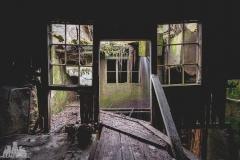 deadinside-urbex-dead-inside-natalia-sobanska-abandoned-abandoned-waterfall-factory-Austria-6-of-8