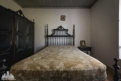 deadinside, urbex, dead inside, natalia sobanska, abandoned, abandoned farm Portugal (1 of 6)