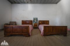 deadinside, urbex, dead inside, natalia sobanska, abandoned, abandoned farm Portugal (3 of 6)