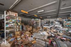 deadinside, urbex, exclusion zone, japan, dead inside, natalia sobanska, abandoned,fukushima exclusione zone,fukushima, supermarket (7 of 15)