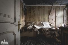 deadinside, urbex, dead inside, natalia sobanska, abandoned, abandoned hotel, gluck Kingdom, abandoned Japan, haikyo,  (16 of 71)