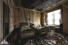deadinside, urbex, dead inside, natalia sobanska, abandoned, abandoned hotel, gluck Kingdom, abandoned Japan, haikyo,  (25 of 71)