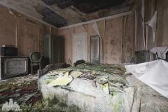 deadinside, urbex, dead inside, natalia sobanska, abandoned, abandoned hotel, gluck Kingdom, abandoned Japan, haikyo,  (26 of 71)
