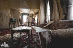 deadinside, urbex, dead inside, natalia sobanska, abandoned, abandoned hotel, gluck Kingdom, abandoned Japan, haikyo,  (29 of 71)