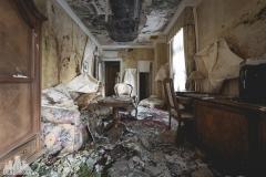 deadinside, urbex, dead inside, natalia sobanska, abandoned, abandoned hotel, gluck Kingdom, abandoned Japan, haikyo,  (30 of 71)