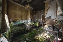 deadinside, urbex, dead inside, natalia sobanska, abandoned, abandoned hotel, gluck Kingdom, abandoned Japan, haikyo,  (32 of 71)