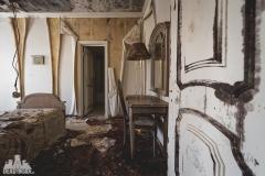 deadinside, urbex, dead inside, natalia sobanska, abandoned, abandoned hotel, gluck Kingdom, abandoned Japan, haikyo,  (33 of 71)