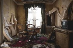 deadinside, urbex, dead inside, natalia sobanska, abandoned, abandoned hotel, gluck Kingdom, abandoned Japan, haikyo,  (34 of 71)