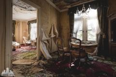 deadinside, urbex, dead inside, natalia sobanska, abandoned, abandoned hotel, gluck Kingdom, abandoned Japan, haikyo,  (35 of 71)