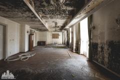 deadinside, urbex, dead inside, natalia sobanska, abandoned, abandoned hotel, gluck Kingdom, abandoned Japan, haikyo,  (37 of 71)