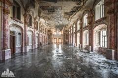 deadinside, urbex, dead inside, natalia sobanska, abandoned, abandoned hotel, gluck Kingdom, abandoned Japan, haikyo,  (40 of 71)