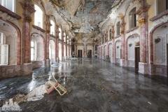 deadinside, urbex, dead inside, natalia sobanska, abandoned, abandoned hotel, gluck Kingdom, abandoned Japan, haikyo,  (45 of 71)