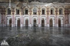 deadinside, urbex, dead inside, natalia sobanska, abandoned, abandoned hotel, gluck Kingdom, abandoned Japan, haikyo,  (46 of 71)
