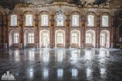 deadinside, urbex, dead inside, natalia sobanska, abandoned, abandoned hotel, gluck Kingdom, abandoned Japan, haikyo,  (47 of 71)