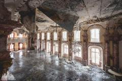 deadinside, urbex, dead inside, natalia sobanska, abandoned, abandoned hotel, gluck Kingdom, abandoned Japan, haikyo,  (48 of 71)
