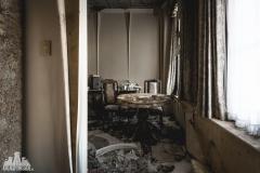 deadinside, urbex, dead inside, natalia sobanska, abandoned, abandoned hotel, gluck Kingdom, abandoned Japan, haikyo,  (5 of 71)
