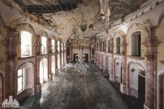 deadinside, urbex, dead inside, natalia sobanska, abandoned, abandoned hotel, gluck Kingdom, abandoned Japan, haikyo,  (50 of 71)
