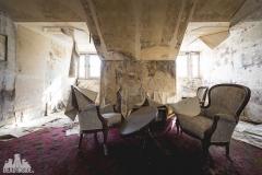 deadinside, urbex, dead inside, natalia sobanska, abandoned, abandoned hotel, gluck Kingdom, abandoned Japan, haikyo,  (51 of 71)