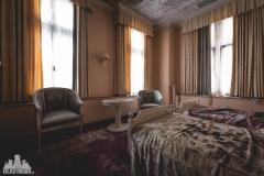 deadinside, urbex, dead inside, natalia sobanska, abandoned, abandoned hotel, gluck Kingdom, abandoned Japan, haikyo,  (6 of 71)