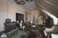 deadinside, urbex, dead inside, natalia sobanska, abandoned, abandoned hotel, gluck Kingdom, abandoned Japan, haikyo,  (62 of 71)
