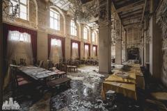 deadinside, urbex, dead inside, natalia sobanska, abandoned, abandoned hotel, gluck Kingdom, abandoned Japan, haikyo,  (71 of 71)
