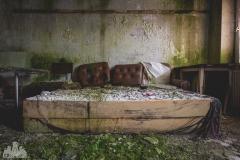 deadinside-urbex-dead-inside-natalia-sobanska-abandoned-hotel-Germany-3-of-10