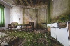 deadinside-urbex-dead-inside-natalia-sobanska-abandoned-hotel-Germany-4-of-10