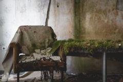 deadinside-urbex-dead-inside-natalia-sobanska-abandoned-hotel-Germany-7-of-10