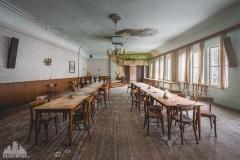 deadinside-urbex-dead-inside-natalia-sobanska-abandoned-abandoned-gesthaus-gasthof-Austria-1-of-23