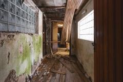 deadinside-urbex-dead-inside-natalia-sobanska-abandoned-abandoned-gesthaus-gasthof-Austria-12-of-23