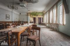 deadinside-urbex-dead-inside-natalia-sobanska-abandoned-abandoned-gesthaus-gasthof-Austria-4-of-23