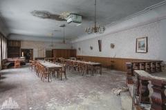 deadinside-urbex-dead-inside-natalia-sobanska-abandoned-abandoned-gesthaus-gasthof-Austria-5-of-23