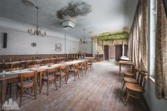deadinside-urbex-dead-inside-natalia-sobanska-abandoned-abandoned-gesthaus-gasthof-Austria-6-of-23