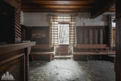 deadinside-urbex-dead-inside-natalia-sobanska-abandoned-abandoned-gesthaus-gasthof-Austria-9-of-23