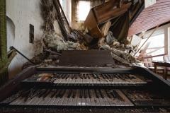 Abandoned gueast house, Germany, urbex, abandoned places, natalia sobanska,dead inside, deadinside, opuszczone miejsca (2 of 6)