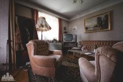 deadinside-urbex-dead-inside-natalia-sobanska-abandoned-abandoned-house-Austria-4-of-9