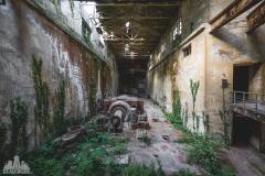 deadinside-urbex-dead-inside-natalia-sobanska-abandoned-abandoned-hydropower-plant-Italy-3-of-11
