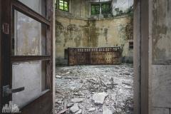 deadinside-urbex-dead-inside-natalia-sobanska-abandoned-abandoned-hydropower-plant-Italy-5-of-11