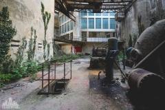 deadinside-urbex-dead-inside-natalia-sobanska-abandoned-abandoned-hydropower-plant-Italy-8-of-11