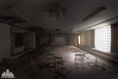 deadinside-urbex-dead-inside-natalia-sobanska-abandoned-abandoned-bowling-abandoned-Japan-Haikyo-1-of-1