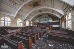 deadinside-urbex-dead-inside-natalia-sobanska-abandoned-abandoned-church-England-2-of-7