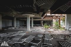 deadinside, urbex, dead inside, natalia sobanska, kupari, abandoned hotels, opuszczone hotele, zatoka umarłych hoteli (11 of 21)