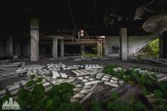 deadinside, urbex, dead inside, natalia sobanska, kupari, abandoned hotels, opuszczone hotele, zatoka umarłych hoteli (12 of 22)