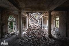deadinside, urbex, dead inside, natalia sobanska, kupari, abandoned hotels, opuszczone hotele, zatoka umarłych hoteli (2 of 21)