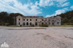 deadinside, urbex, dead inside, natalia sobanska, kupari, abandoned hotels, opuszczone hotele, zatoka umarłych hoteli (21 of 22)