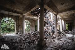 deadinside, urbex, dead inside, natalia sobanska, kupari, abandoned hotels, opuszczone hotele, zatoka umarłych hoteli (3 of 21)
